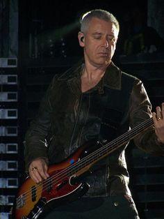 Bono U2, Adam Clayton, Vertigo, Auckland, Rock Bands, Larry, Photo Galleries, Tours, God