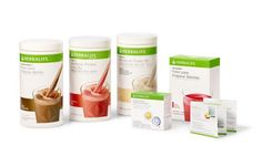 The pros and cons of some of the top weight loss shakes, focusing on sugar conte… - Meal Planning Herbalife Meal Plan, Herbalife Diet, Herbalife Shake, Weight Loss Smoothies, Healthy Smoothies, Herbalife Reviews, Health And Wellness, Health Care, Start A Diet