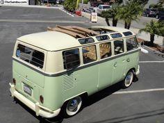 1965 VW 21 Window Deluxe Bus