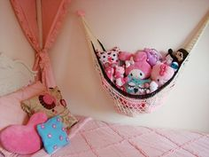 DIY Free Crochet Hammock Patterns and tutorials with step-by-step instructions to guide you well. Make Easy Crochet Hammock Free Patterns for Toys & Kids! Stuffed Animal Net, Stuffed Animal Hammock, Stuffed Animal Storage, Organizing Stuffed Animals, Sewing Stuffed Animals, Stuffed Animal Patterns, Stuffed Toys, Organizing Toys, Crochet Home