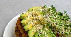 Haastamme sinut kokeilemaan kuukautta vegaanina! Avocado Toast, Cabbage, Vegetables, Breakfast, Food, Morning Coffee, Essen, Cabbages, Vegetable Recipes