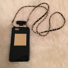Chanel Phone Case iPhone 5. Stable detachable. No trades! Accessories Phone Cases