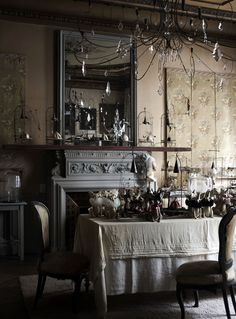 the natural home hans blomquist Natural Interior, French Interior, French Decor, Dark Interiors, Vintage Interiors, House Interiors, French Country House, Country Charm, Beautiful Space
