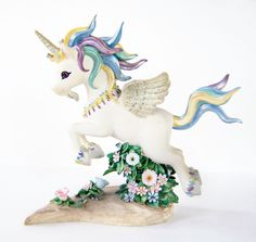 Hey, I found this really awesome Etsy listing at https://www.etsy.com/listing/248693730/vintage-rainbow-unicorn-figurine