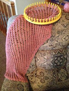 Lattice Stitch Shawl - Loom Knit Pattern | Craftsy Loom Knitting Scarf, Knifty Knitter, Loom Knitting Projects, Loom Knitting Patterns, Yarn Projects, Class Projects, Knitting Loom Instructions, Loom Knitting For Beginners, Crochet Preemie Hats