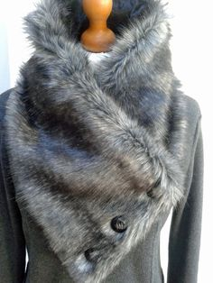 I've used an awesome wolf-like faux fur for this super-glam enormous asymmetric scarf. Lined with black velvet - available from my Etsy shop AmberLolaDesigns Sewing Scarves, Sewing Clothes, Diy Scarf, Scarf Hat, Fur Fashion, Fashion Sewing, Vintage Fur, Sewing Accessories, Neck Scarves