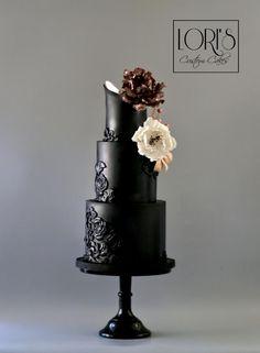 Wedding Cake  by Lori Mahoney (Lori's Custom Cakes)  - http://cakesdecor.com/cakes/293368-wedding-cake