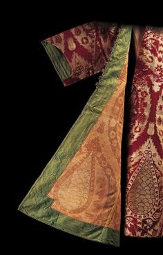 Early 17th century kaftan worn by Sultan Ahmed I (1603-1617) as a child, showing reverse of fabric and green facing