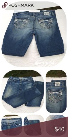"""Big a star Maddie Skinny Jean Good quality Jean with white thread detail on the pockets. Hem is in great shape, no wear. 99% cotton 1% spandex. Machine wash cold and tumble dry low. All measurements are approximate laying flat. Waist 17 1/4"""" rise 9 1/2"""" inseam 33"""". Big Star Jeans Skinny"""