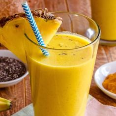 This Pineapple Smoothie Contains Cancer-Obliterating And Anti-Inflammatory Ingredients
