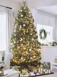 Fresh Holiday Greens: A Fresh Whole-House Color Scheme for the Holidays