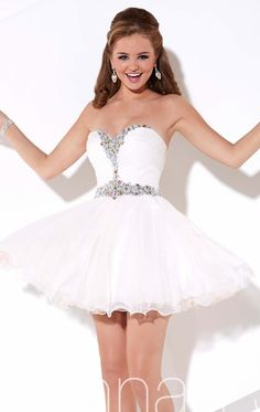 Hannah S 27918 White Size 8 short prom dress, homecoming dress