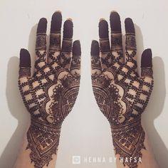 By @hennabyhafsax #henna #hennart #mehndi #mehndiart #mendhi #mehendi #mehendiart #hennaartist #hennadesign #mehndiartist #mehndidesign #hennafun #hennalove #hennaworld #mehendidesign #hennaobsessed #hennaobsession #bridal #bridalhenna #hennatattoo #beautiful #love #art #instahenna #instaart #artist #palmhenna #hennainspo #inspiration #hennaworld
