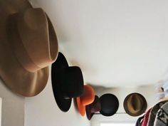 Whether it's a personal hat collection full of vintage pieces, your son's vast array of baseball caps or your own assortment of sun hats to knitted beauties, these accessories can surely be a pain to organize and keep at bay. You either begin to not find what you need or lose to the constant battle of chaos. So, we've compiled 10 easy tips and tricks for organizing hats and getting your closet in tip-top shape.