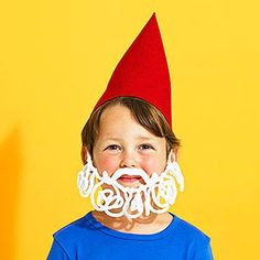 Make a Pipe Cleaner Gnome Costume Inexpensive, versatile, and comfortably fuzzy, pipe cleaners can be transformed into a host of last-minute costumes, like this sweet gnome! Holidays Halloween, Halloween Fun, Diy Costumes, Halloween Costumes, Santa Costumes, Pipe Cleaner Crafts, Pipe Cleaners, Gnome Costume, Crafts For Kids