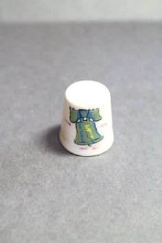 LIBERTY BELL Thimble 1976 Vintage Collectible by TheJellyJar