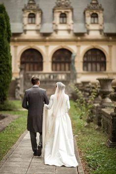 Nicolas de Roumanie Medforth-Mills (previously Prince Nicolas of Romania) and his wife Alina de Roumanie Medforth-Mills. Walk To Remember, Royal Red, Royal Weddings, Wedding Thank You, Royalty, Couple Photos, Wedding Dresses, Artist, Beautiful