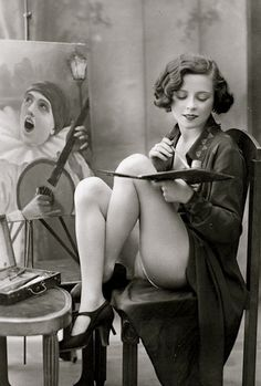 1920s pinup photo. Very racy for the era.