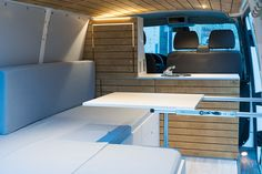 On a rainy evening like this (again!🙄🙄🙄) - what place could be more cosy than this van? Vw Transporter Camper, Bus Camper, Camper Trailers, Ford Transit Custom Camper, Custom Campers, Van Conversion Layout, Van Interior, Interior Ideas, Vw T4