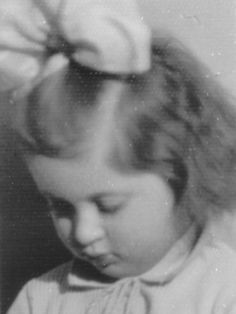 Alinka Cukierman, died in the Warsaw ghetto uprising, aged 9.