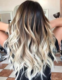 20 Fabulous Brown Hair with Blonde Highlights Looks to Love: Balayage Beach Blonde - Ombre Hair Cabelo Ombre Hair, Best Ombre Hair, Diy Ombre Hair, Silver Ombre Hair, Long Ombre Hair, Diy Hair Dye, Brown Blonde Hair, Blonde Streaks, Baylage Blonde