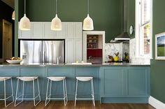 Dunkelgrün in der Küche