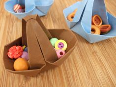 Fold a paper basket with just a sheet of paper, handle included