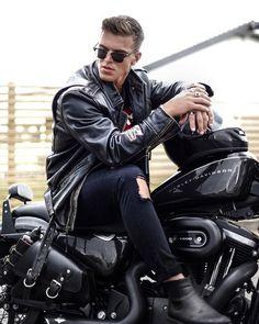 45 ideas for motorcycle style outfit men Motorcycle Men, Motorcycle Style, Motorcycle Outfit, Leather Jeans Men, Biker Leather, Photo Pour Instagram, Biker Photoshoot, Biker Photography, Biker Boys