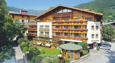 The Tirolerhof is a quietly located superior spa hotel in the centre of Zell am See, at the foot of the Schmittenhöhe Mountain and only a few steps. 4 Star Hotels, Best Hotels, Wellness Spa Hotel, City Apartment, Places Ive Been, Places To Go, Hotel Austria, Zell Am See, Hotel Reservations