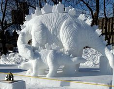 """Ritchie Velthuis, the """"chairperson of ice and snow"""" for theSculptors' Association of Alberta and organizer of the Silver Skate Festival (Feb. 17–20), strives to cultivate Edmonton's snow carving culture by running workshops on the basics."""