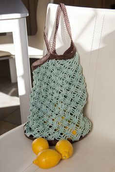 Mint Chocolate Market Bag by abagfullofcrochet, via Flickr free pattern