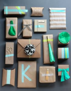 12 Days of Gift Wrap Ideas: Over 12 days, I'm showcasing over 120 creative, and beautiful gift wrap ideas. Today is Craft Paper.