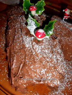 Χριστουγεννιάτικος κορμός Cheesecake Brownies, Christmas Cooking, Sweet Tooth, Food And Drink, Pudding, Sweets, Chocolate, Baking, Desserts