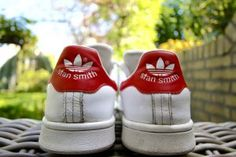 Stan Smith sneakers from behind in the garden