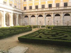 Inner courtyard, Mafra Palace (18th century) Portugal.