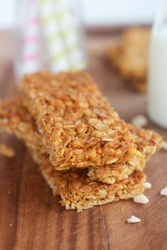 Granola Bars  1 1/2 cup rolled oats (use gluten free oats for a gluten free version)  1/2 cup rice crispies cereal  3 tablespoons cornmeal  Pinch of salt  1/4 teaspoon baking soda  1/4 cup honey  2 tablespoons canola oil or I like to sometimes use coconut oil  3/4 teaspoon vanilla extract  1/2 tablespoon brown sugar