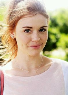 Read Holland Roden from the story FOTOS by QuenKendal (Letícia Rodrigues) with reads. Scott Mccall, Teen Wolf Stiles, Prettiest Actresses, Beautiful Actresses, Manado, Lydia Martin Style, Pretty People, Beautiful People, Beauty And Fashion