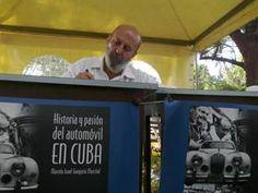 """La llegada del automóvil a la Mayor de las Antillas, las diversas marcas y modelos que existieron en la Isla, las primeras carreras oficiales, sus circuitos y pilotos, y el desarrollo del mercado del Motor en Cuba, son algunas de las temáticas abordadas por el libro """"Historia y pasión del automóvil en Cuba"""", el cual..."""