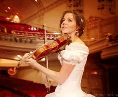 Lindsey Stirling from Phantom of the Opera Medley Lindsey Stirling, Lilly Singh, Celtic Music, Phantom Of The Opera, Rock Music, Singer, Lady, People, Violin