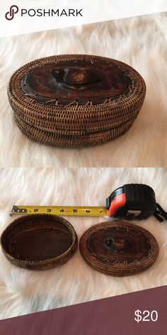 """Basket with Turtle Wood Carving on top Brown Basket with Turtle Wood Carving on top, Handmade, New never used, 5""""x3-1/2"""" Other"""