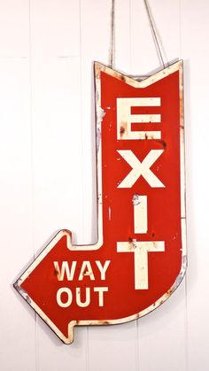 Metal Exit Sign - This distressed metal exit arrow is farmhouse funky at it's finest. We know you'll agree it's farmhouse fabulous! Metal Exit Sign measures 13 x 22 Metal Wall Decor, Metal Wall Art, Wall Art Decor, Iron Wall, Wall Murals, Carros Vintage, Exit Sign, Urban Barn, Best Decor