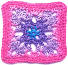 Summer CAL: Motifs 5 & 6 • LoveCrochet Blog ~ free pattern ᛡ