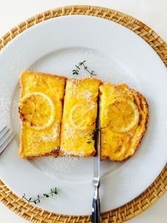 レモン風味のフレンチトーストもこれからの季節にぴったりヘルシー気分♪シロップも牛乳も使わないフレンチトーストです。 材料 1人分 食パン 1枚 卵 1個 ギリシャヨーグルト プレーン 大さじ2 レモン汁 大さじ1/2 レ …