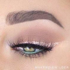 Gold Glitter Eyeliner Makeup Look