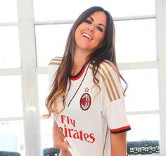 20 Stars of the Music World and the Football Clubs They ...