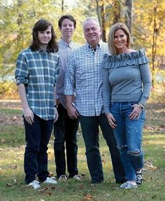 3.3m Followers, 100 Following, 36 Posts - See Instagram photos and videos from chandler riggs (@chandlerriggs5)