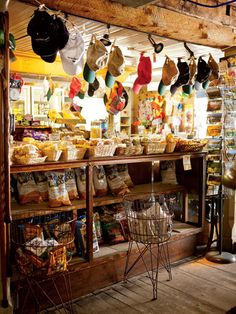 Looking for the best Vermont country stores? Travel writer Christina Tree shares her picks for the top 5 with Yankee Magazine. New England States, New England Fall, New England Travel, Stowe Vermont, Burlington Vermont, Waterbury Vermont, Middlebury Vermont, Rutland Vermont, Maine