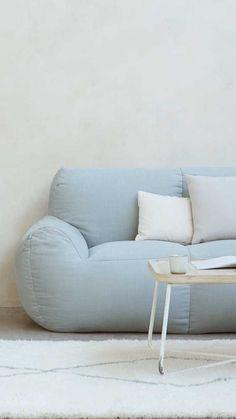 Sofa Design, Interior Design, Aesthetic Shirts, Living Spaces, Living Room, Decoration, Floor Chair, Love Seat, Armchair