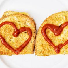 Obľúbený chlebík vo vajíčku trochu inak? Pozri, ako ho ozvláštniť! French Toast, Bread, Breakfast, Ethnic Recipes, Food, Morning Coffee, Eten, Bakeries, Meals