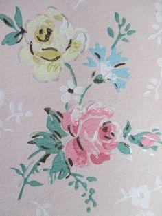 vintage roses wallpaper Shabby Vintage, Vintage Roses, Vintage Walls, Vintage Paper, Linen Wallpaper, Rose Wallpaper, Wall Flowers, Flower Wall, Pretty Patterns